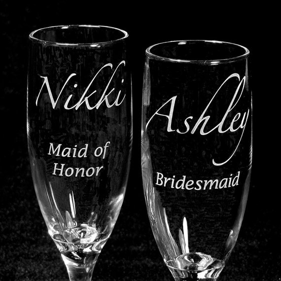 2 Personalized Bridesmaid Gifts, Wedding Champagne Flutes for Bridal Party, Bachelorette or Hen Party, Toast Flutes