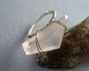Rose Quartz Wire-Wrapped Gemstone Ring