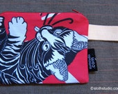 Cat Loves Japan (Zipper Pouch) -- made to order