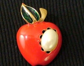 Vintage Red Apple Pin Brooch, The Big Apple,I love New York,1980s UNUSED, Red,Green Enamel, Large Pearl