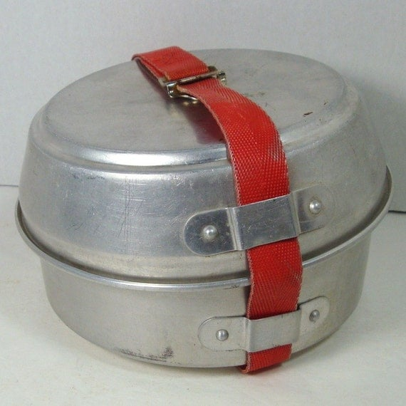 Vintage Mirro Aluminum Camping Cookware Set..1950s MESS KIT..Scouts..Nesting Set with Strap..5 pieces..Lightweight for Backpackers