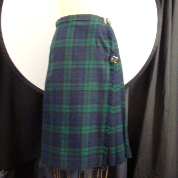 Vintage Plaid Wool Kilt Ladies, SALE, AUTHENTIC Tartan Skirt, size 8, Super Soft Wool, Made in Aberdeen, Navy and Forest Emerald Tartan Plaid, Wool Fringed Wrap Skirt, Pleated, Leather Buckles