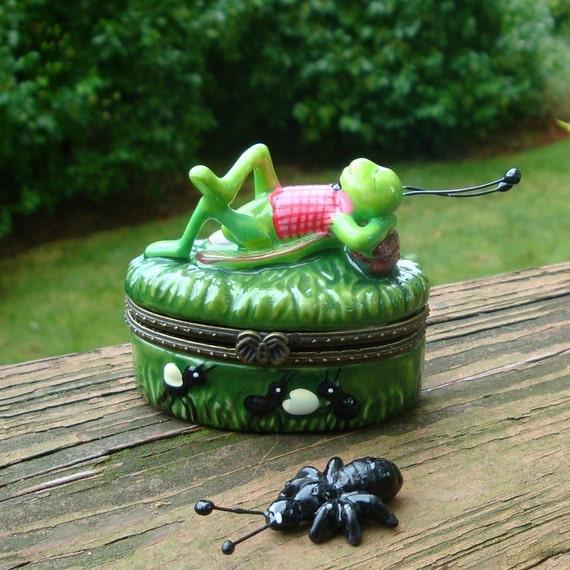 Grasshopper Box, Vintage Jiminey Cricket Porcelain Treasure Box..1980s ..OH.The World Owes Me a Living..Deedle, Didle Dodle Dedle Dum...