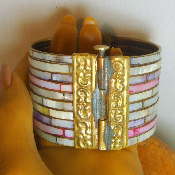 MOP Bracelet, Vintage 1980s Wide Mother of Pearl and Brass Bangle..Looks Like 10 Skinny ones, White, Pinkish, Gray