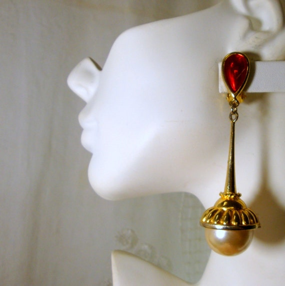 RESERVED 4 ReadytoWear, Glam Gold Red Pearl Giant Dangle Clip Earring, 1980s Statement Showstoppers, Prom Stage FUN