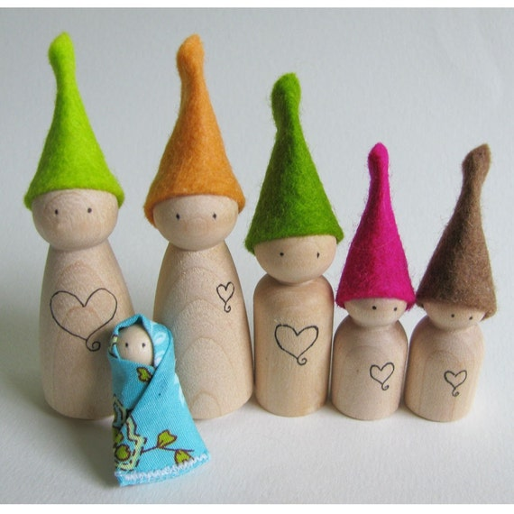 Waldorf toy - Tiny wood waldorf elf