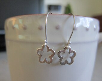 Sterling Silver Daisy Earrings-3
