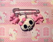 Girly skull Kilt pin