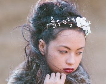 Woodland Flowers and Ivory Berry Headband for Weddings, Flower Crown Boho Wedding Hair Accessory