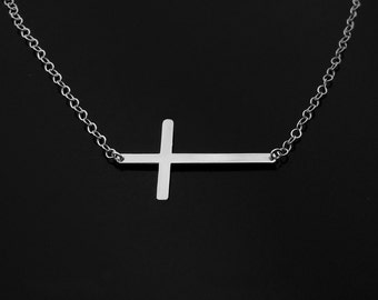 14KT WHITE GOLD Kelly Ripa Cross Necklace - Center