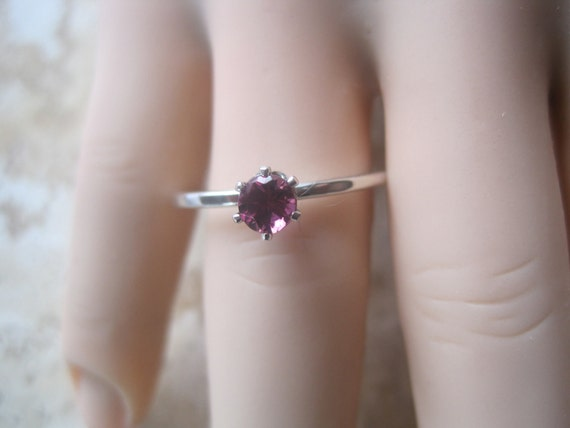 Rhodolite Garnet and Sterling Silver Solitaire Ring