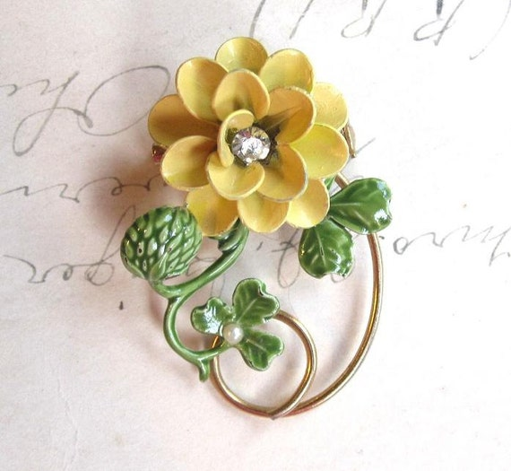 70's Vintage Yellow and Green Clover and  Flower Enamel Brooch with Pearl and Rhinestone