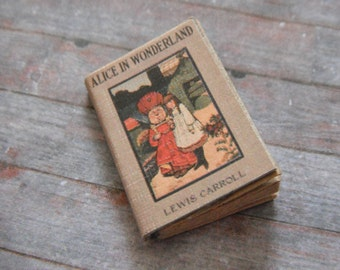 Miniature Book --- Alice in Wonderland