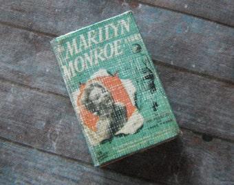 Miniature Book --- Marilyn Monroe Biography