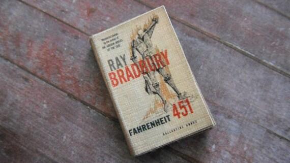 Miniature Book --- Fahrenheit 451