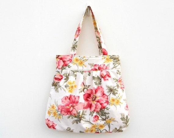 Floral Pleated Purse - Pink on Ivory Shoulder Bag