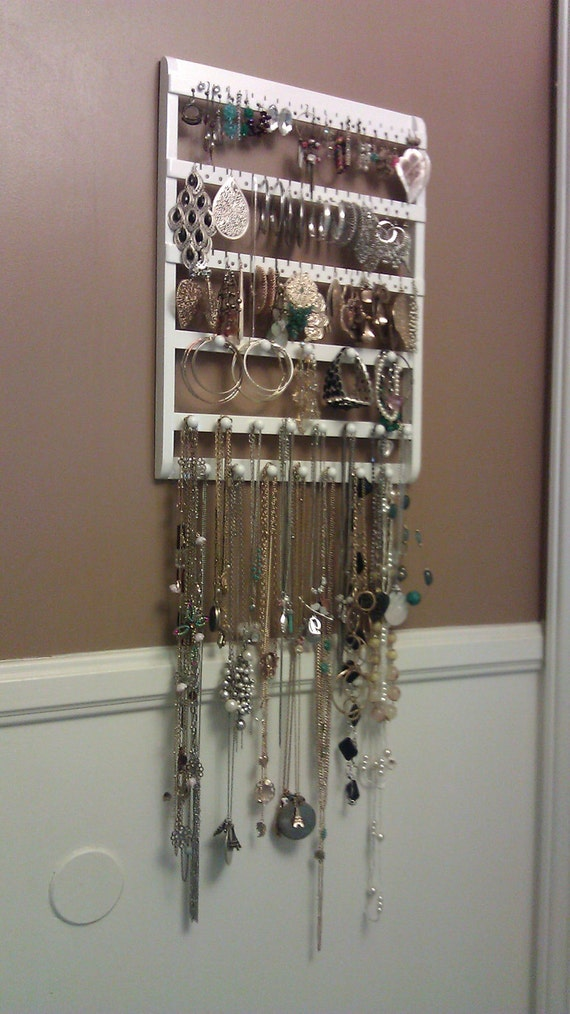 Elegant Modern Jewelry Display, 20 Storage Pegs, 54 Pairs, Cabinet Grade Semi-Gloss White Paint, Maple Hardwood, Boutique Quality & Design