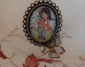"antique gold ring with beautiful glass cabochon ""windy day"""