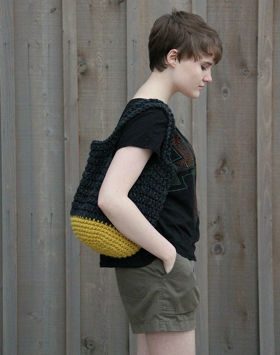 little crochet bag in charcoal and citron LAST ONE