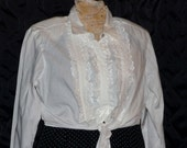 Vintage Rockabilly White Midriff Blouse Tied Waist Tuxedo Front