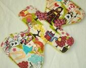 Kawaii Anime Alice in Wonderland - 11 inch Cloth Pad - Cotton Top