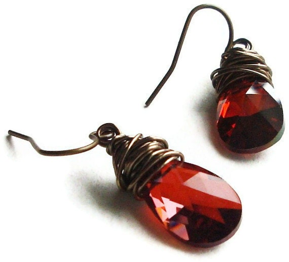 Valentines Day Dangle Briolette Earrings in Volcano Red, Blood Red, Faceted Swarovski crystal, Antique Brass, wire wrapped
