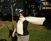 Himalayan Retreat: White Wool Bulky and Chunky Hand Knit Scarf