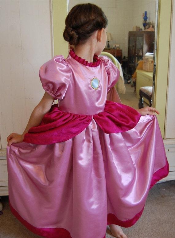 peach Teen costume princess