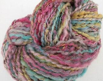 Handspun art yarn. Shetland  blend wool. Dolce melodia (Sweet music) .