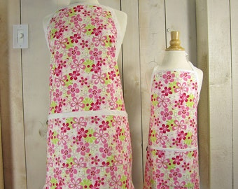 Daisy Field Mommy and Me (kid size) Apron Set - reversible