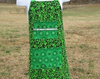 Men's Irish Handmade Apron - Feelin' Green -  shamrock, clover, green beer - by Happy Campers of the South (APR032)