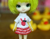 Petite Blythe / Little Dal outfits (t-shirt and skirt)