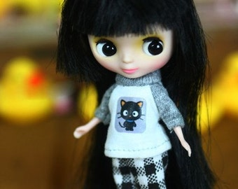 A102 - Little Dal / Petite Blythe outfits
