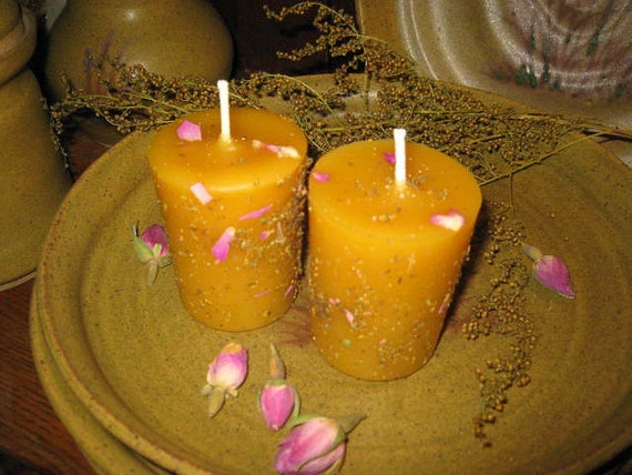 Prairie ROSE pure beeswax votive candle with vanilla-rose scent and sprinkling of rose petals and sweet annie