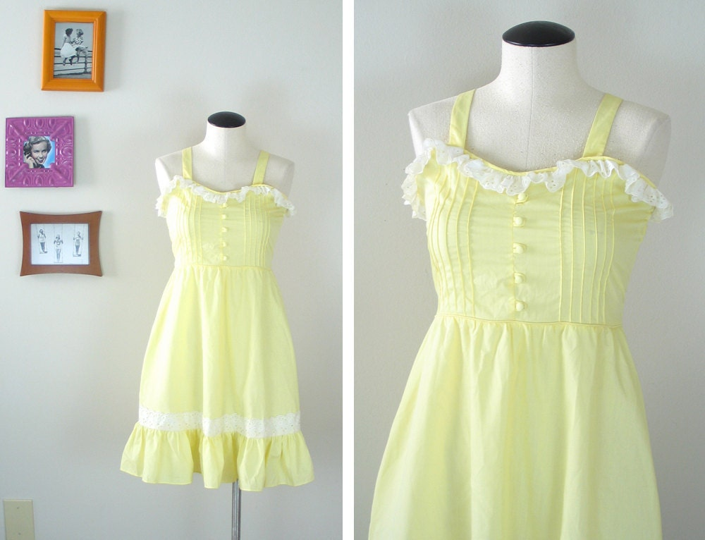 vintage 1970s pale yellow sundress with white eyelet trim