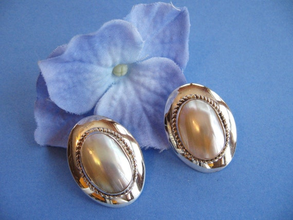 Vintage Sterling Silver Earrings Mother of Pearl Southwestern Design