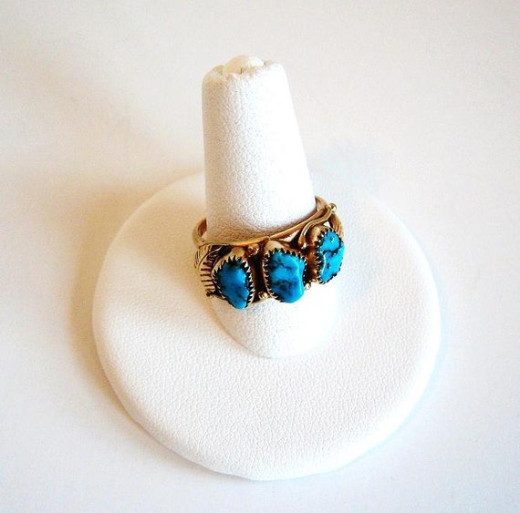 Vintage 14kt Gold Kingman Turquoise Ring with Navajo Blossom Leaves