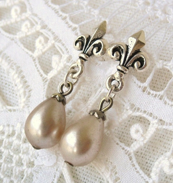 Marie Antoinette. Earrings with Vintage 1930s Japanese Glass Faux Pearls and Antiqued Silver Fleur de Lis Posts