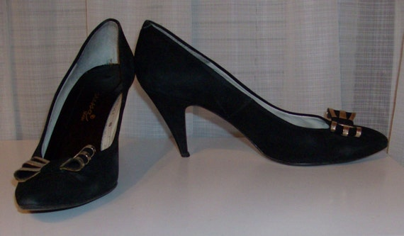 RESERVED FOR LIDIA Black Geunine Suede Leather Pumps with Toe Bows-Size 8 M