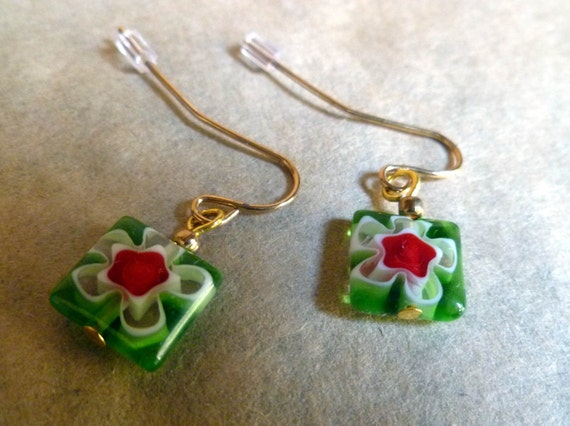 Lazy Daisy glass earrings