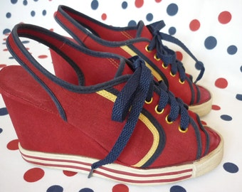 1970s Wedge Shoes in Red White Blue Canvas SZ 6 sneaker style slingback peeptoe