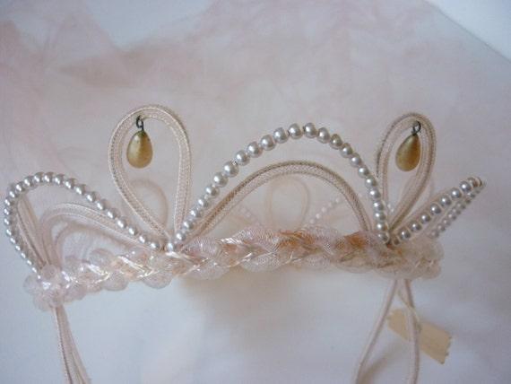 50s / 60s Bridal Headpiece / Crown / Tiara / Fascinator in blush NWT