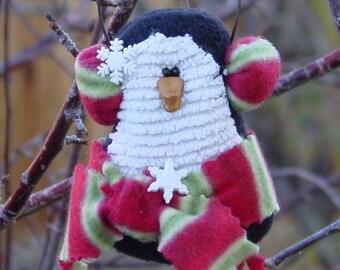 MINI PATTERN . . . . . . . . . . . . . . . . . . Nippy Penguin Ornament 155E