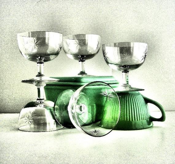 Vintage petite starburst glassware elegant glasses classic - Starburst glassware ...