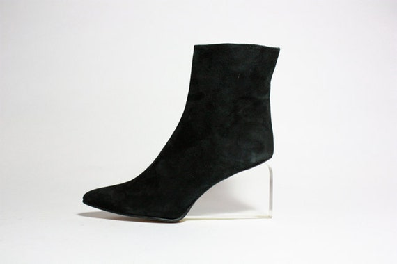 VTG Avant Garde Black Suede Lucite Wedge Ankle Boots 8