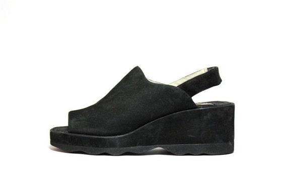 VTG 90's Avant Garde Wavy Wedge Platform Slingback Sandals 6