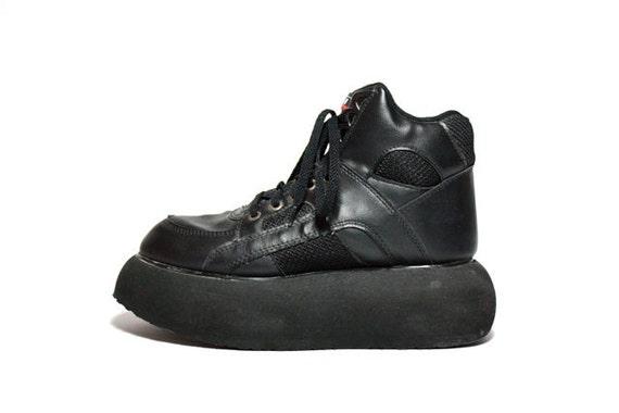 Vtg 90's Platform Club Kid Lace Up Sneaker 8