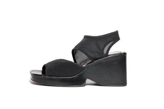 VTG 90's Avant Garde Black Mesh Wedge Platform Sandals 7.5