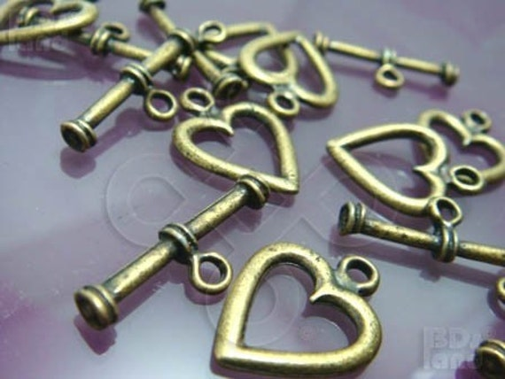 clearance -50% / B317BS / 12Sets - Antique Brass Plated Heart Shape Toggle Clasps / Rod N Ring Findings