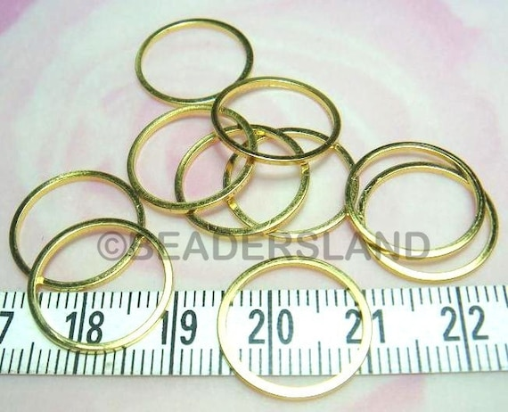 C121GD 24pcs D16mm Glossy Gold Plated Color Smooth Closed Ring (square-profile)